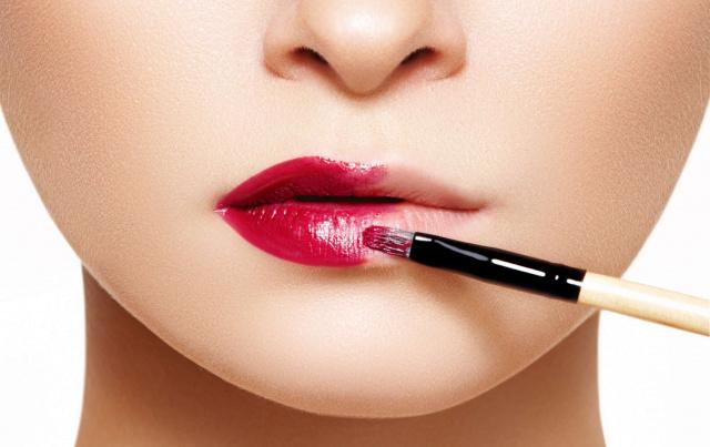 Как визуально увеличить губы: макияж, татуаж и другие эффективные методы