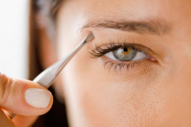 Советы профессионалов: коррекция бровей в домашних условиях