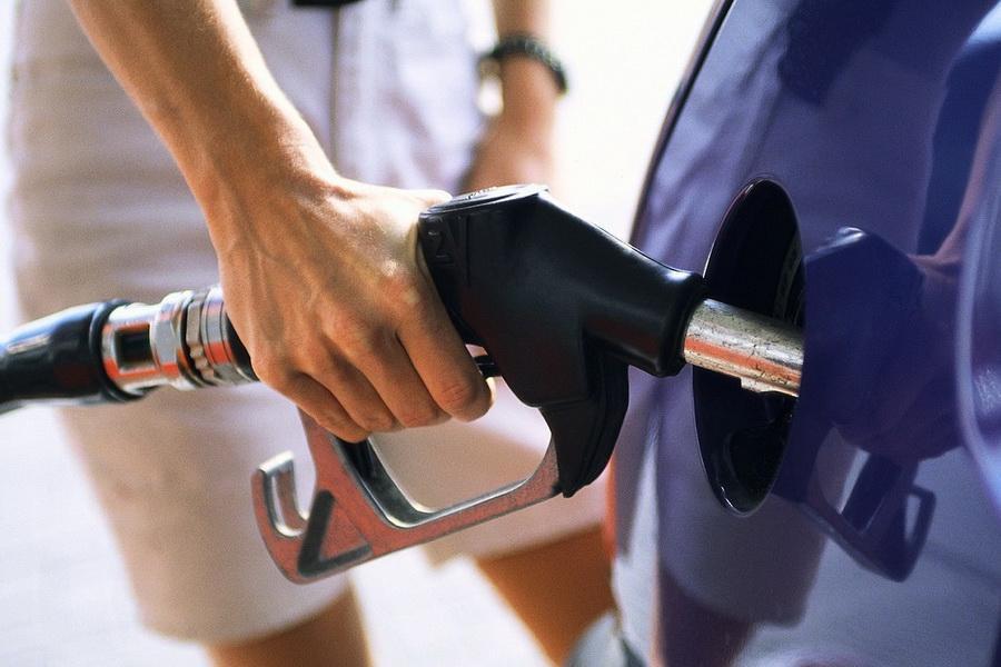 В Самарской области резко подорожал бензин