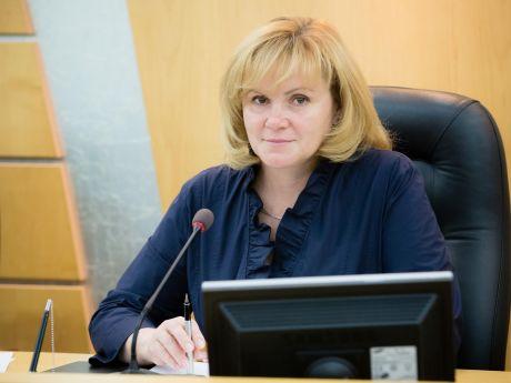 Надежда Красноярова, председатель думы г. Сургута : Этот светлый праздник напоминает нам о самом лучшем времени в жизни каждого человека