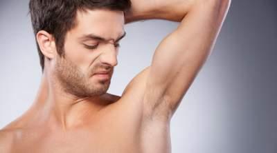 Как устранить неприятный запах тела: эффективные способы