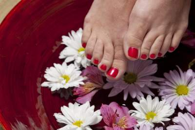 Уход за ногами летом: несложные правила