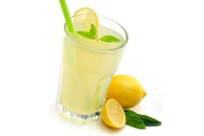 Названы целебные свойства лимонного сока