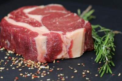 Стало известно, при каких болезнях противопоказано красное мясо
