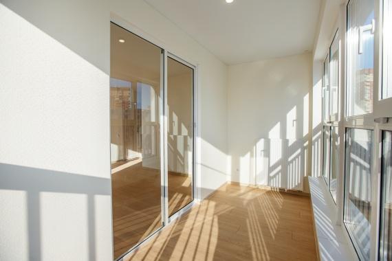 Новая жизнь балконов: Брусника предлагает инновационное решение
