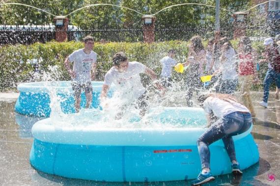 Самый мокрый фестиваль пройдет на бульваре Четырех сезонов