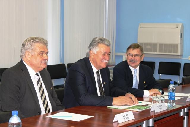 Гости из Венгрии отметили улучшения в Тольятти