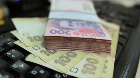 Власти смогут блокировать деньги россиян