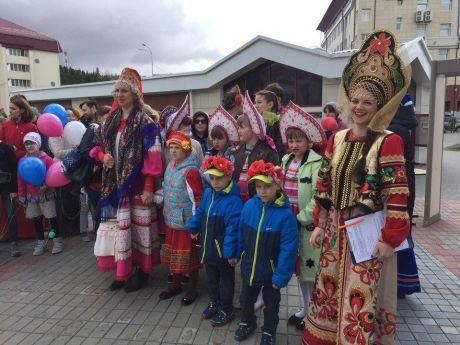 Парад семьи прошел по столице Югры//ФОТО