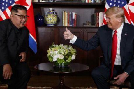 Дональд Трамп встретился с Ким Чен Ыном с Сингапуре