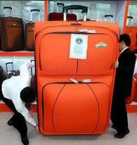 Utair в три раза увеличил штраф за сверхнормативный багаж. С 500 ₽ до 1 499 ₽.