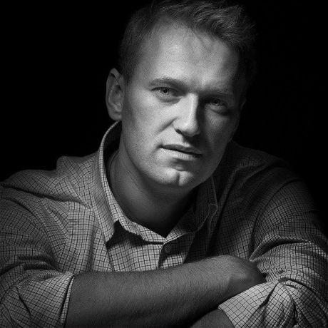 Алексей Навальный, политик: Статья дня. Пенсионер Навальный объясняет // ВИДЕО