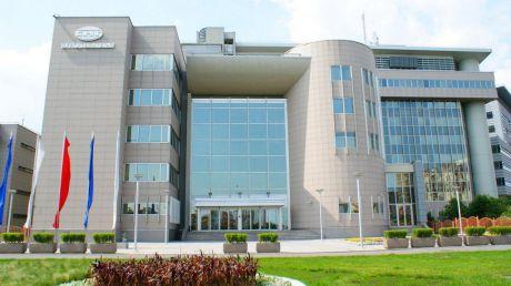 В Сургутнефтегазе увеличили дивиденды и изменили совет директоров, а в Газпроме все стабильно