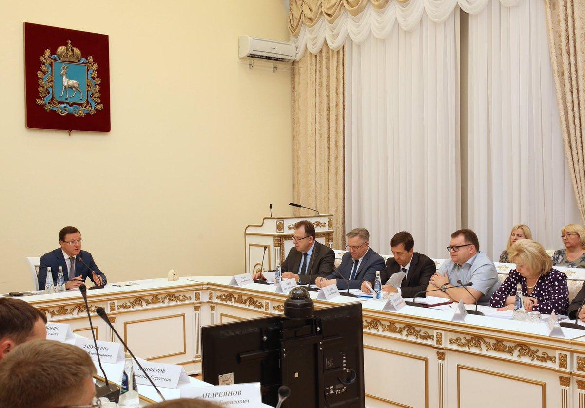 Проблемные объекты долевого строительства в Тольятти обсуждались на совещании у Дмитрия Азарова