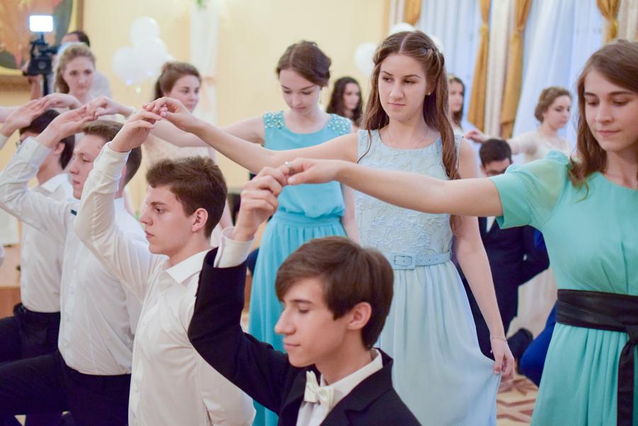 В Тольятти 3 тысячи школьников готовятся к выпускному балу