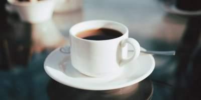 Медики рассказали, что пить кофе натощак вредно