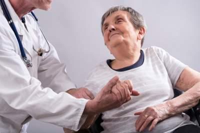 Медики рассказали, какой продукт вызывает болезнь Альцгеймера
