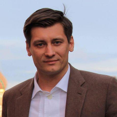 Дмитрий Гудков, политик: Статья дня. Нельзя изменить Россию, бурча себе под нос «будьте вы все прокляты»