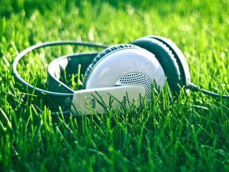 Катерина Филимонова: 13 лучших летних песен по версии музыкального издания The Fader // АУДИО