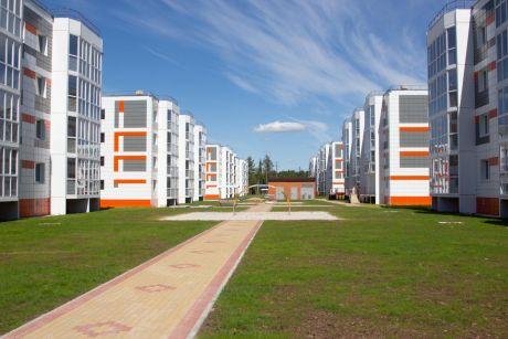 Полина Амирова: 4 этажа? Беру! Сургутяне записываются в очередь на новые квартиры Сибпромстроя