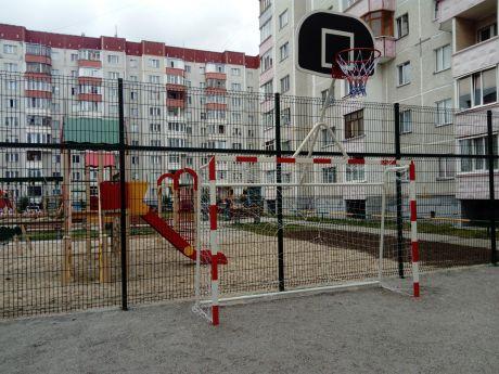 В Сургуте появилась вторая спортплощадка, установленная полностью за счет управляющей компании