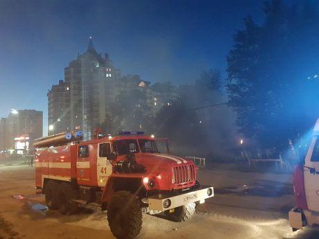 В центре Сургута сгорел частный жилой дом