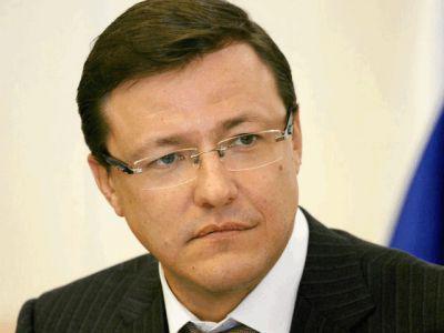 Дмитрий Азаров сдал в облизбирком документы для регистрации в качестве кандидата на пост губернатора