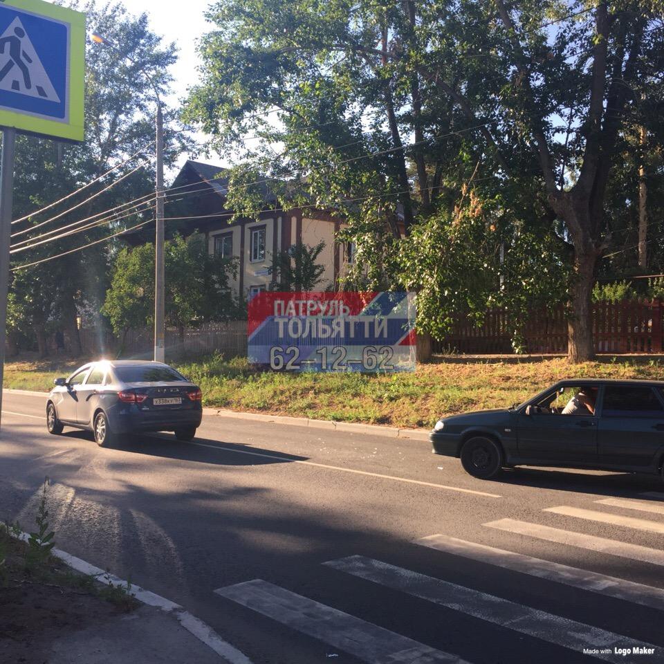 «Тут вообще редко кто пропускает»: В Тольятти на пешеходном переходе сбили женщину