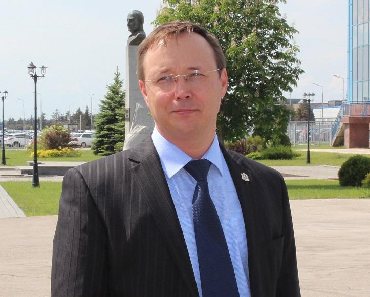Дмитрий Микель поздравил тольяттинцев с Днём семьи, любви и верности!