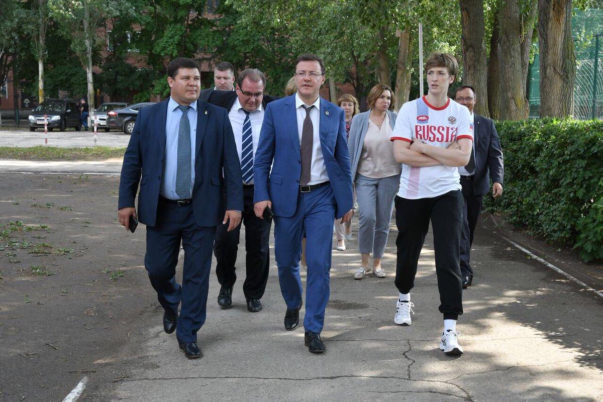 Глава Самарской области посетил тольяттинскую школу №66