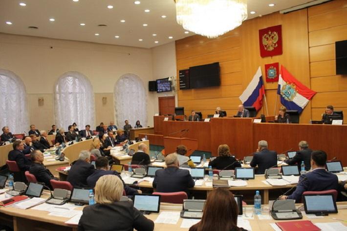 «Единая Россия» отказалась обсуждать повышение пенсионного возраста в губернской думе
