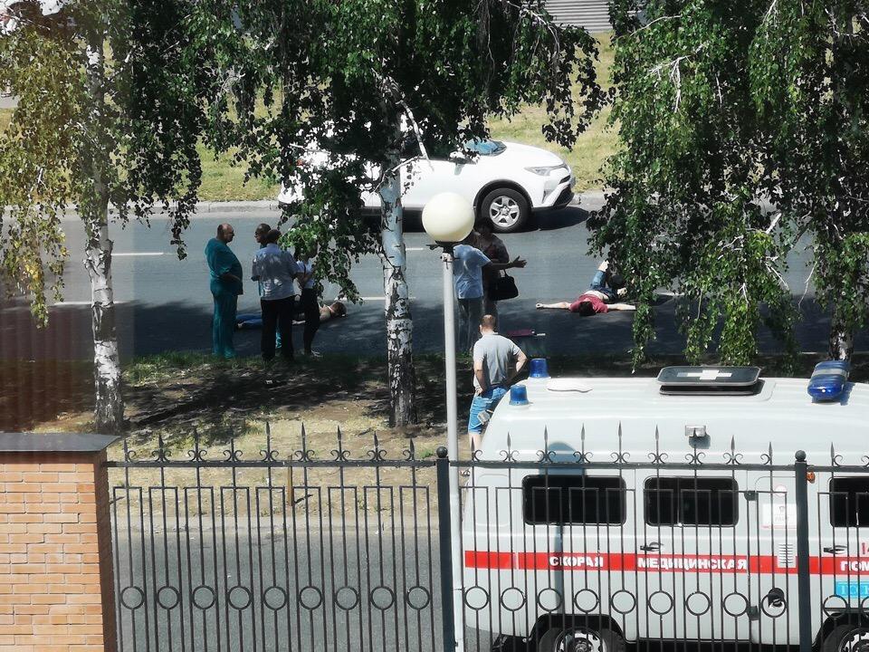 На улице Спортивной «Калина» сбила пешеходов на переходе