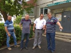 Сергей Анташев проверил благоустройство дворов в Автозаводском районе