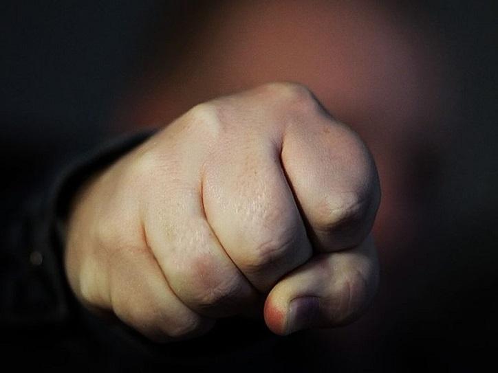 Под Тольятти 18-летнему парню грозит 8 лет тюрьмы из-за глупой драки у магазина