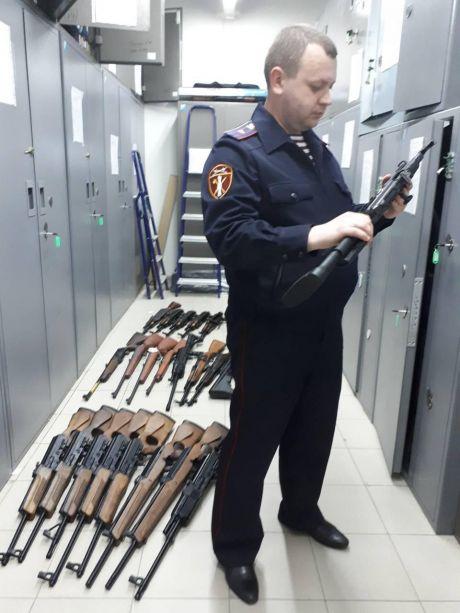 Пистолет в шкафу: в Югре проверяют владельцев оружия