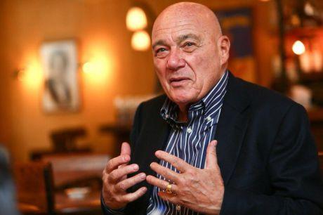 Владимир Познер заявил, что ЕГЭ наносит ущерб мозгам и противоречит традиции российского школьного образования