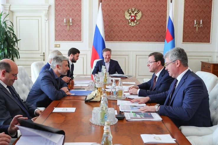 Азаров в Москве обсудил строительство моста через Волгу у Тольятти и реконструкцию дороги до Ягодного