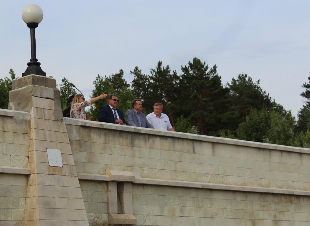 Территорию у памятника Татищеву благоустроят в ближайшее время