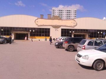 В Тольятти у торгового центра водитель избил прохожего