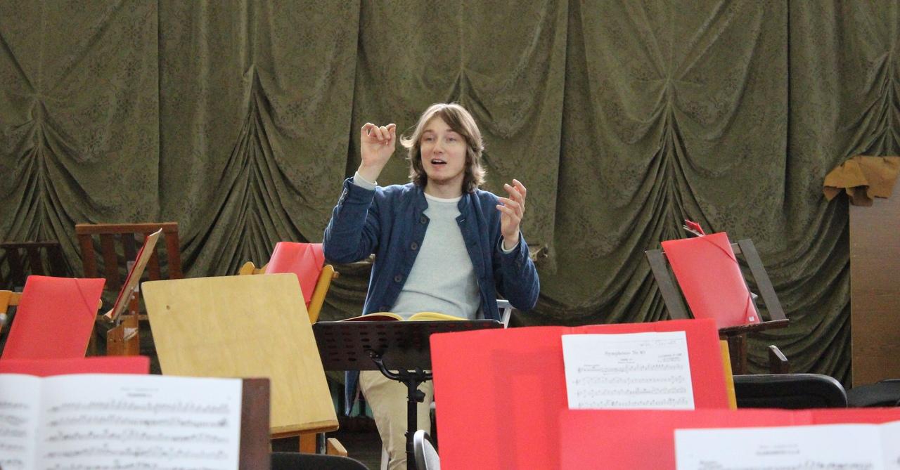 В Тольятти выступит главный дирижер Шотландского камерного оркестра