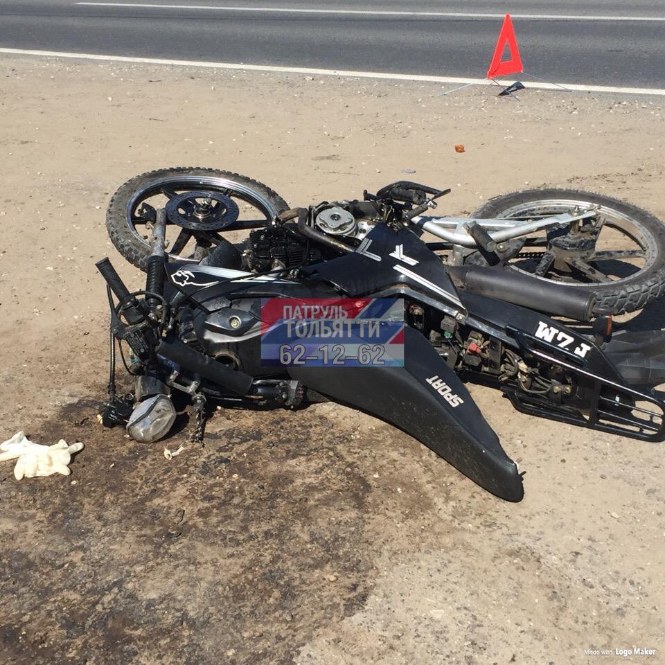 В Тольятти 16-летний мотоциклист врезался в «Вольво» и попал в больницу
