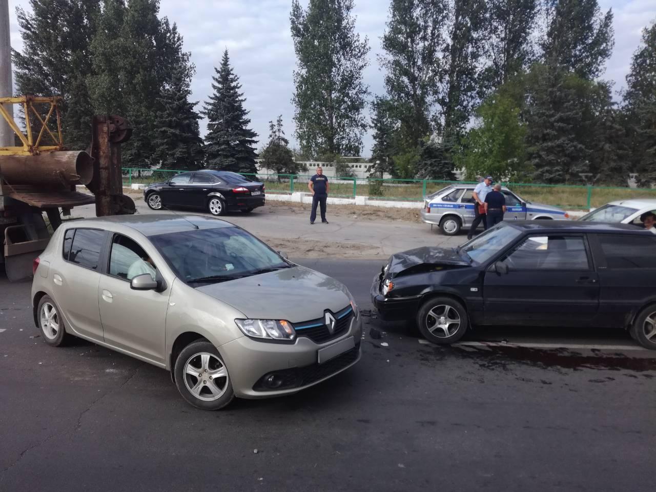 За день три человека получили травмы в авариях на дорогах Тольятти