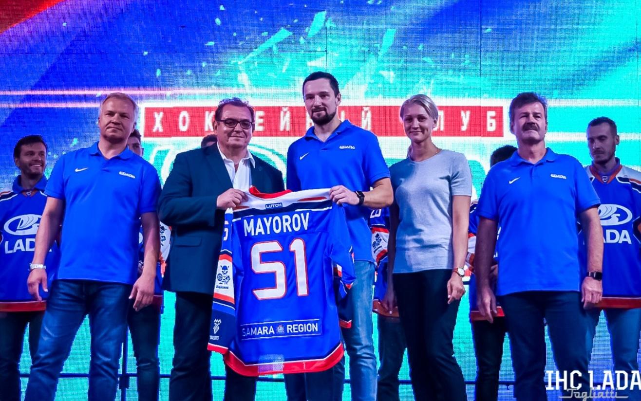 В Тольятти представили новую хоккейную «Ладу»