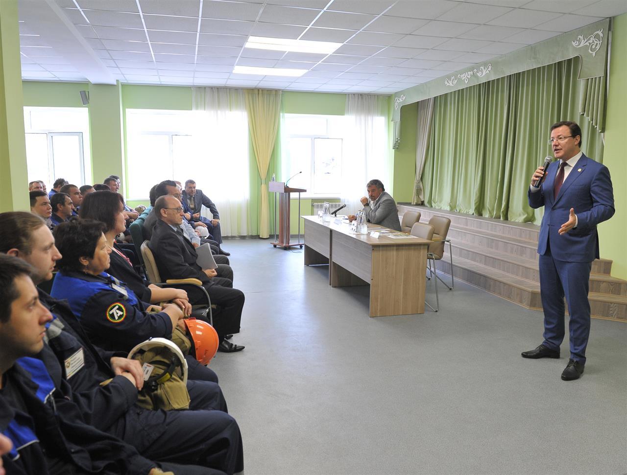 Дмитрий Азаров обсудил с трудовым коллективом «Тольяттиазота» перспективы развития предприятия