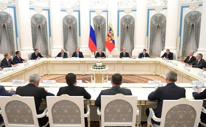 Губернатор Дмитрий Азаров встретился с президентом РФ Владимиром Путиным