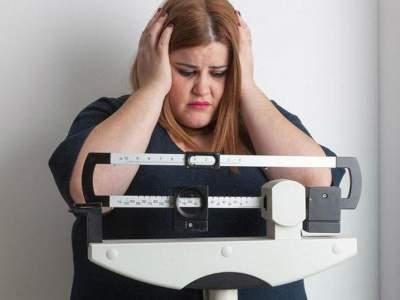 Названа новая смертельная опасность лишнего веса для женщин