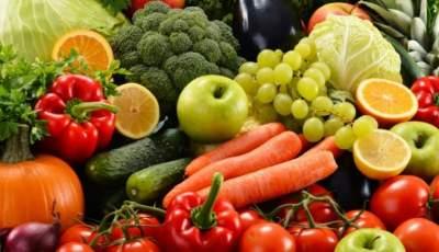 Названы болезни, которые можно вылечить фруктами и овощами