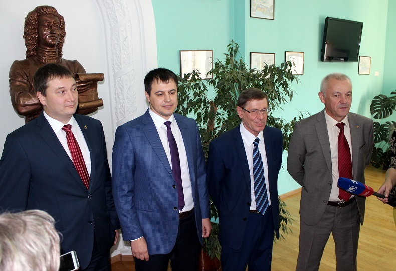 Неделя Тольятти: Новое руководство думы, вместо «Спутника» развлекательный центр, пожар в «Лесном»