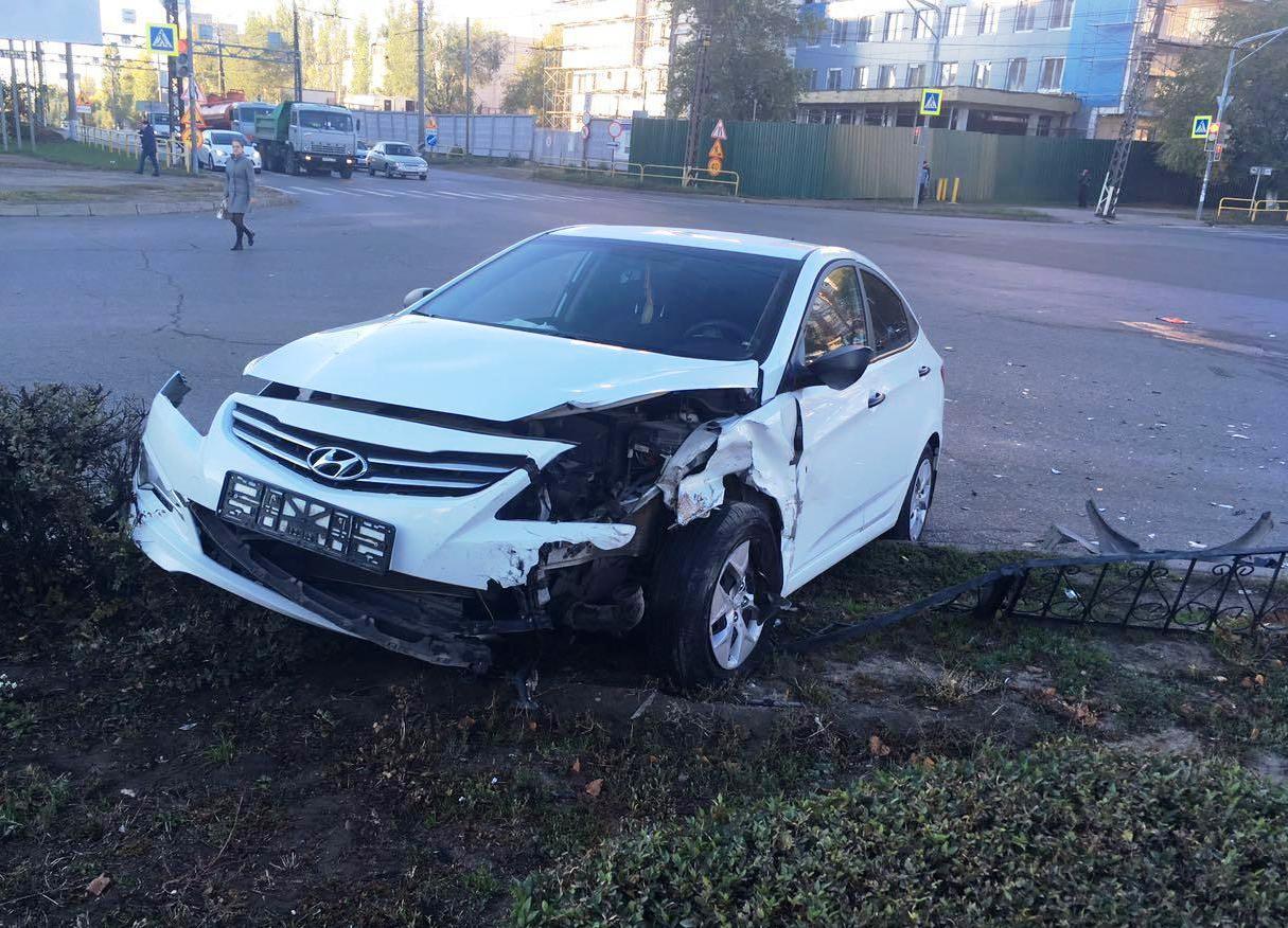 Утром в столкновении двух машин в Тольятти травмы получил 6-летний ребенок