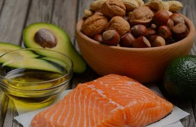 Медики объяснили, чем вреден жир в еде